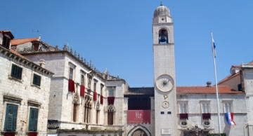 Dubrovnik photo features recognizable Luza square which is one of the main attractions on Dubrovnik tours