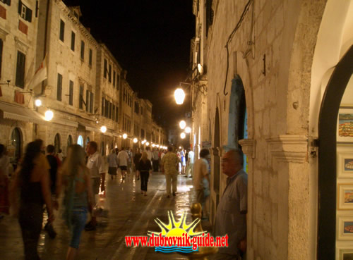 Dubrovnik at night - People walking on Stradun street
